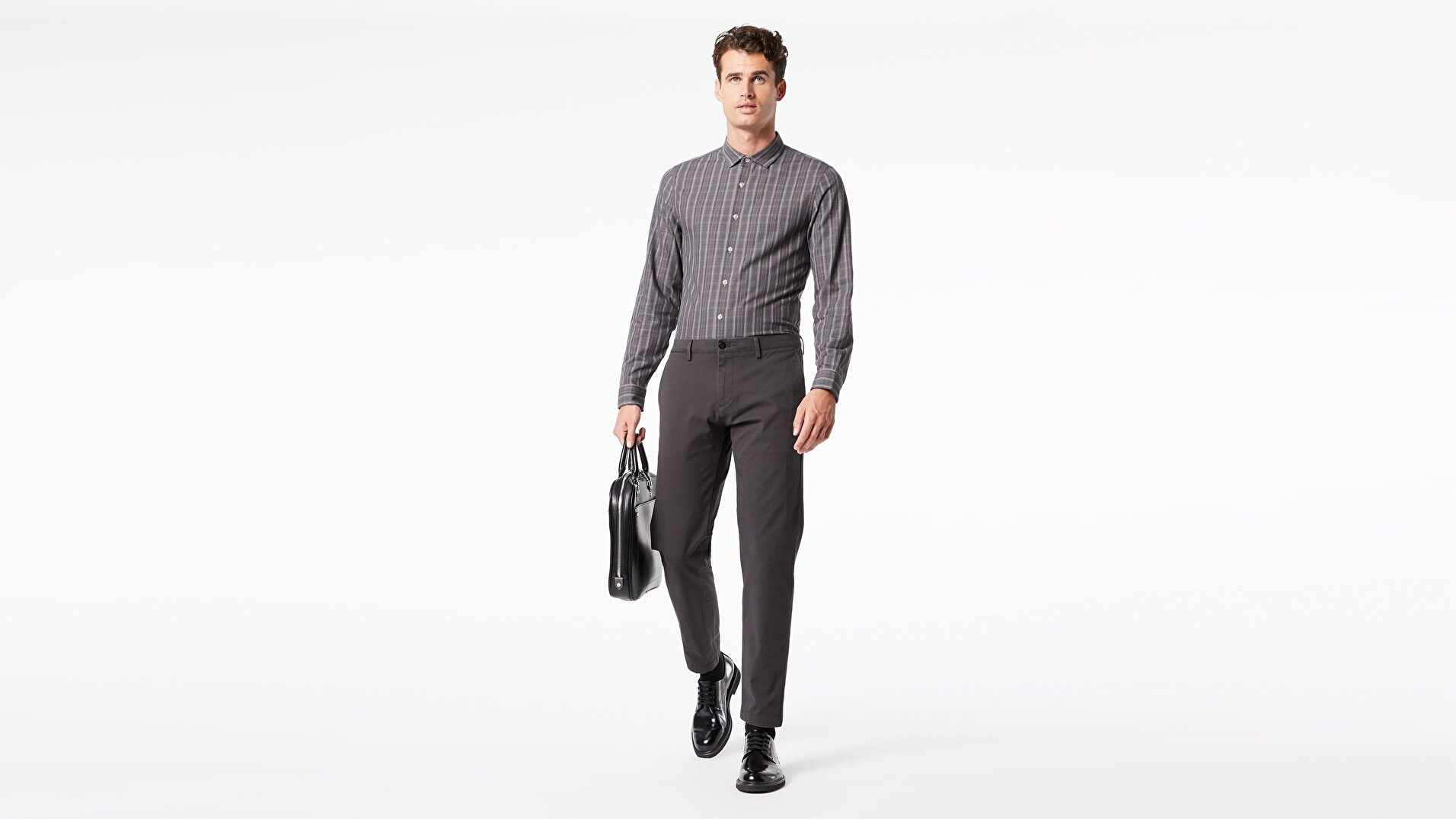 Alpha Chino, Tapered Fit